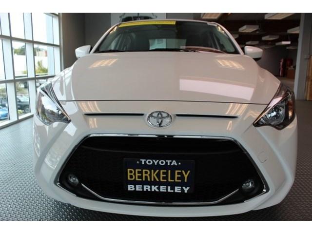 New 2020 Toyota Yaris in Albany, CA