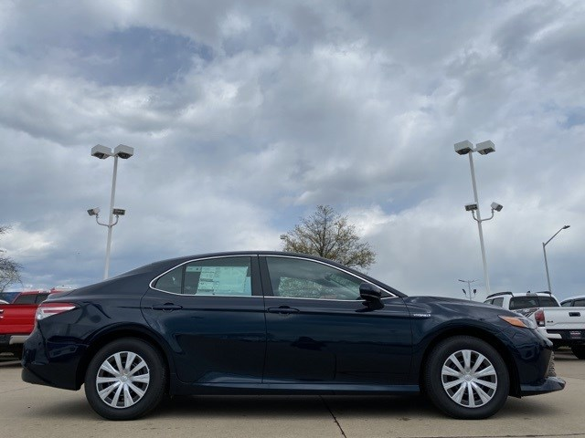 New 2020 Toyota Camry Hybrid in Cape Girardeau, MO