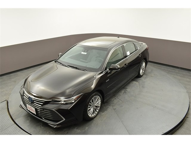 New 2020 Toyota Avalon Hybrid in Columbia, MO
