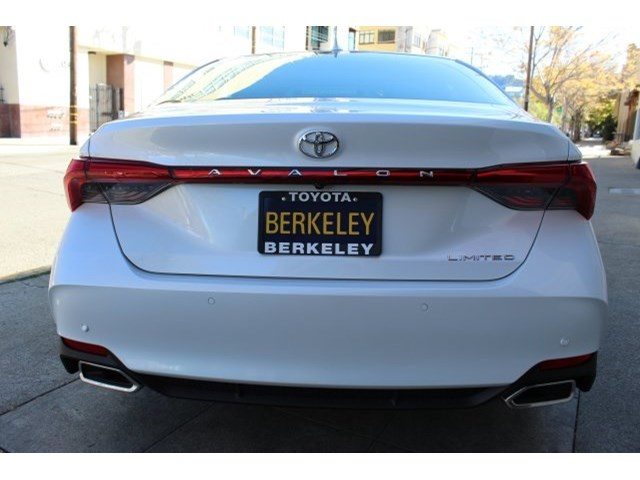 New 2020 Toyota Avalon in Albany, CA