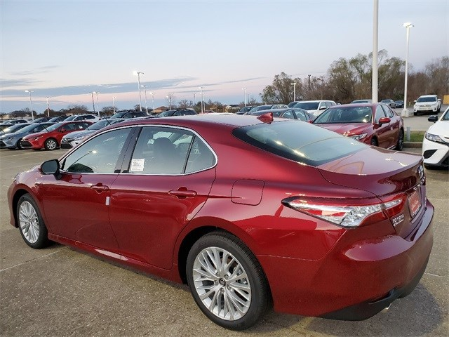 New 2020 Toyota Camry Hybrid in New Orleans, LA