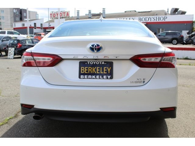 New 2020 Toyota Camry Hybrid in Albany, CA
