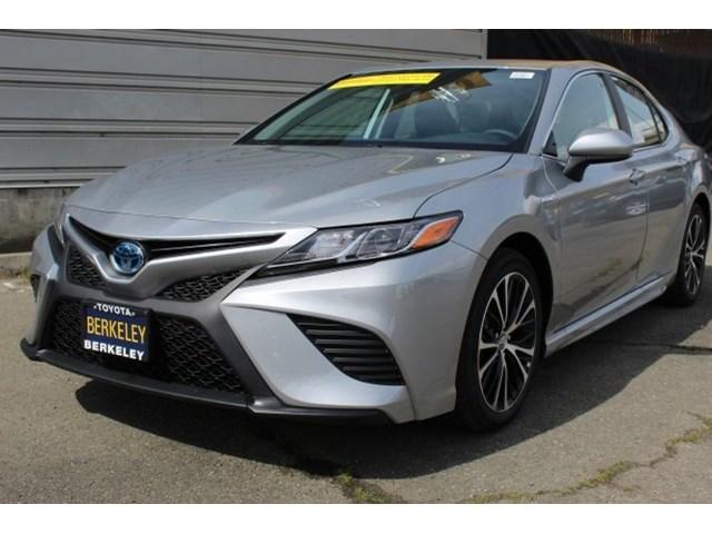 New 2020 Toyota Camry Hybrid in Albany, CA