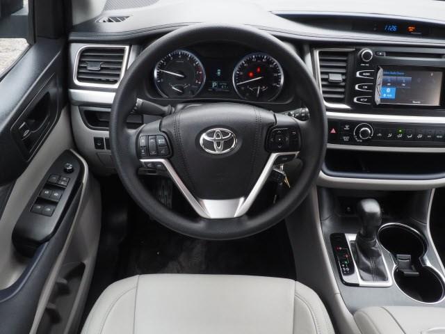 Used 2016 Toyota Highlander in Mt. Kisco, NY