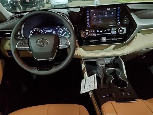 New 2020 Toyota Highlander in New Orleans, LA