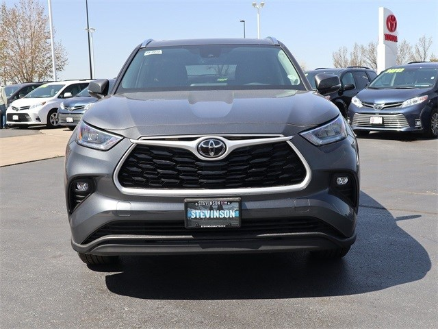 New 2020 Toyota Highlander in Aurora, CO
