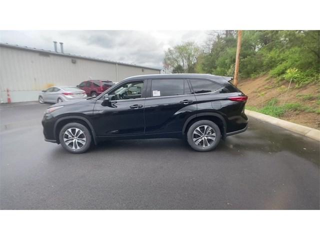 New 2020 Toyota Highlander in Johnson City, TN