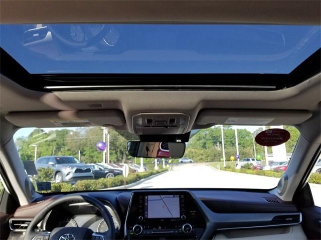 New 2020 Toyota Highlander Hybrid in Baton Rouge, LA