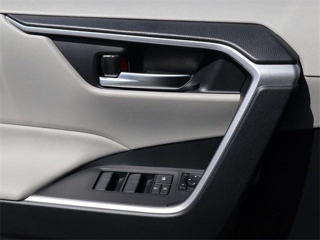 New 2020 Toyota RAV4 Hybrid in Aurora, CO